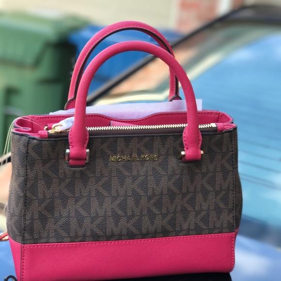 d5874fc32079c Michael kors Kellen XS satchel brown  lipstick bag